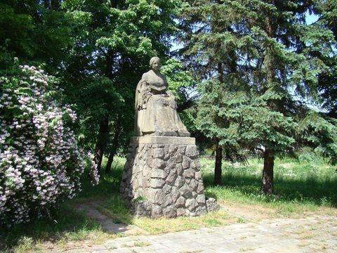 Zlíč - pomník Boženy Němcové