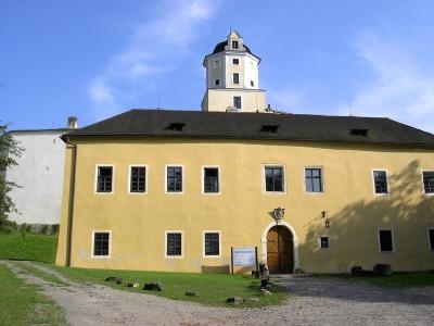 1369745350_stavela_cz_malenovice_hrad_m002.jpg
