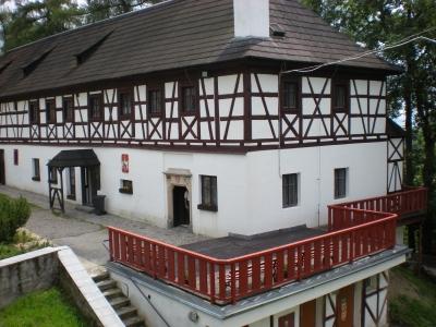 1369745910_hrad-seeberg.jpg
